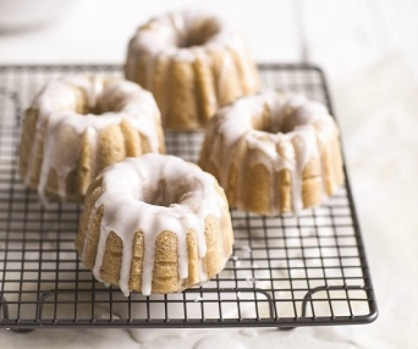 I mini bundt cocco e yogurt di Csaba dalla Zorza